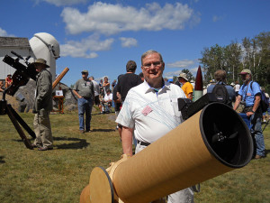 Fran Edwards and his 1st place ribbon winning 10-inch f/5.5 Newt Dob